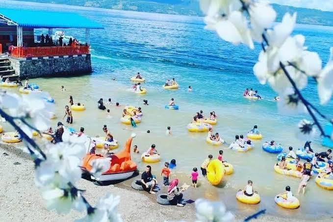 Pantai Raya Dolok Pardamean