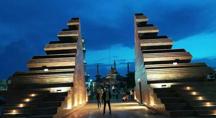 Gambar Alun-alun Kejaksan Kota Cirebon