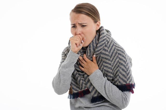 Gambar seseorang yang sedang batuk