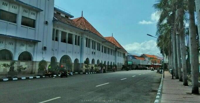 Gambar Gedung British American Tobacco Cirebon Kota