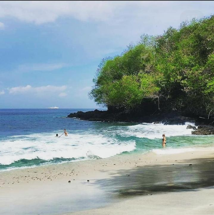 Gambar Pantai Blue Lagoon