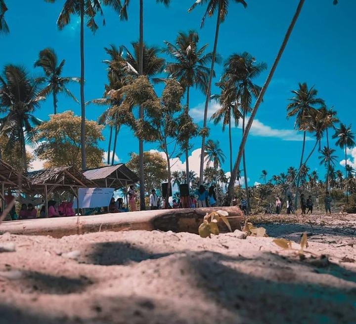 Gambar Pantai Liwuto Makasu