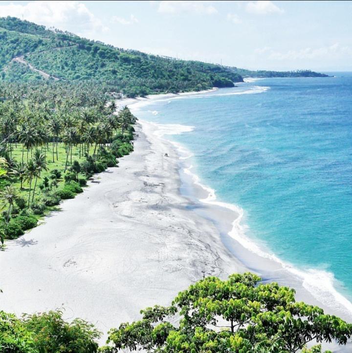 Gambar Pantai Sengigi