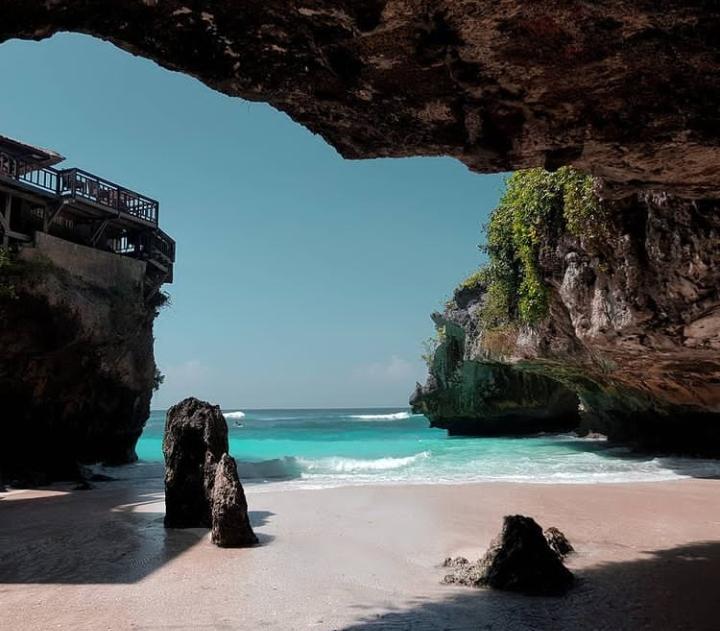 Gambar Pantai Suluban