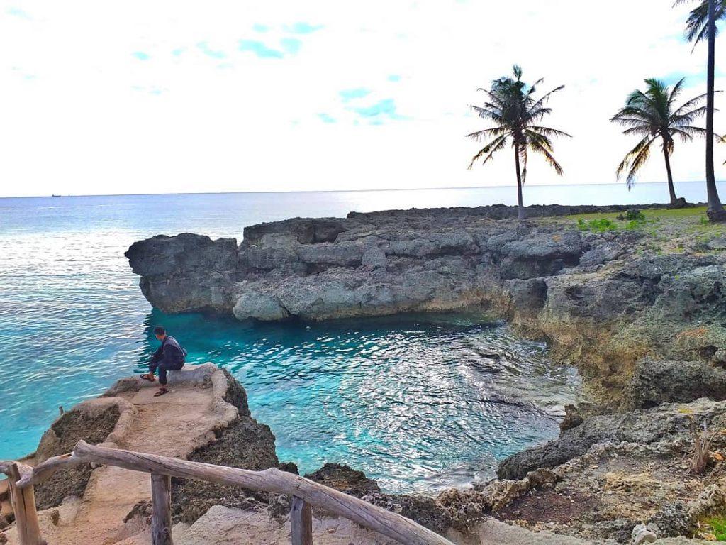 gambar pantai ujung kerung
