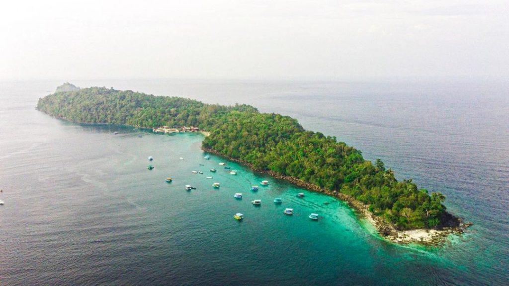 Rubiah beach merupakan tempat wisata di sabang yang banyak diminati