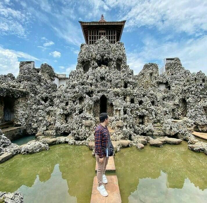 Gambar Taman Wisata Goa Sunyaragi Cirebonyang merupakan salah satu tempat wisata di Cirebon