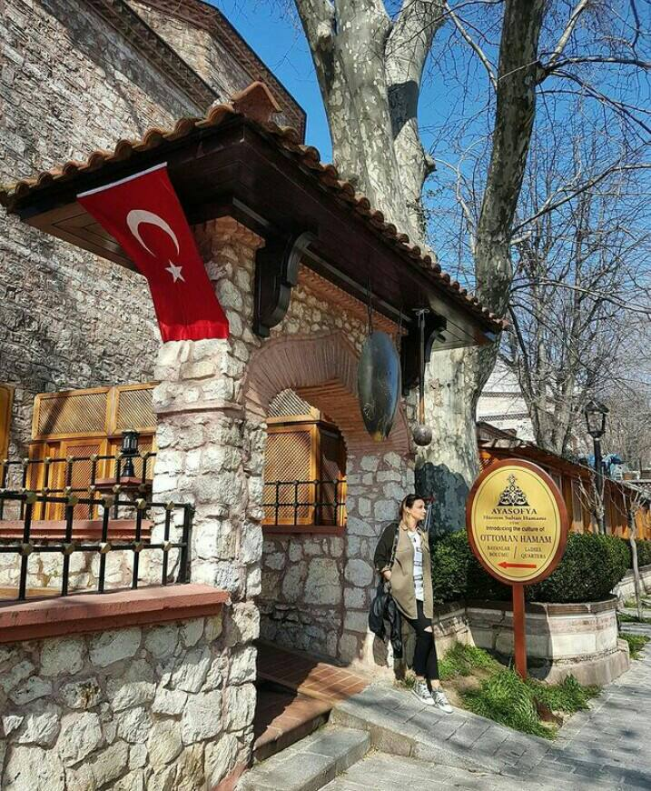 Gambar Hipodrom Konstantinopel yang merupakan tempat wisata di istanbul