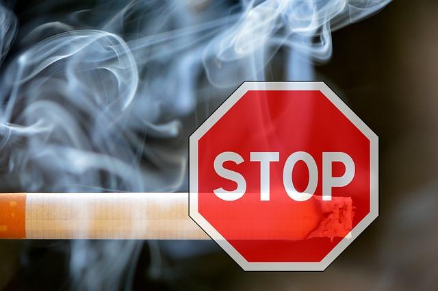 Berhenti merokok merupakan cara yang tepat untuk menghilangkan bau mulut