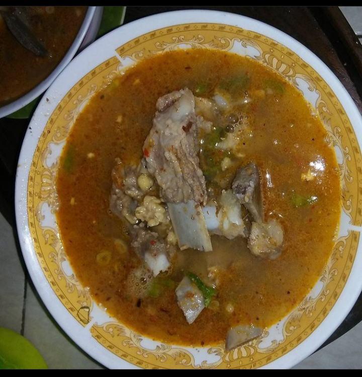 Gambar Sop Krono yang merupakan makanan khas Bugis yang banyak di minati berbagai orang.