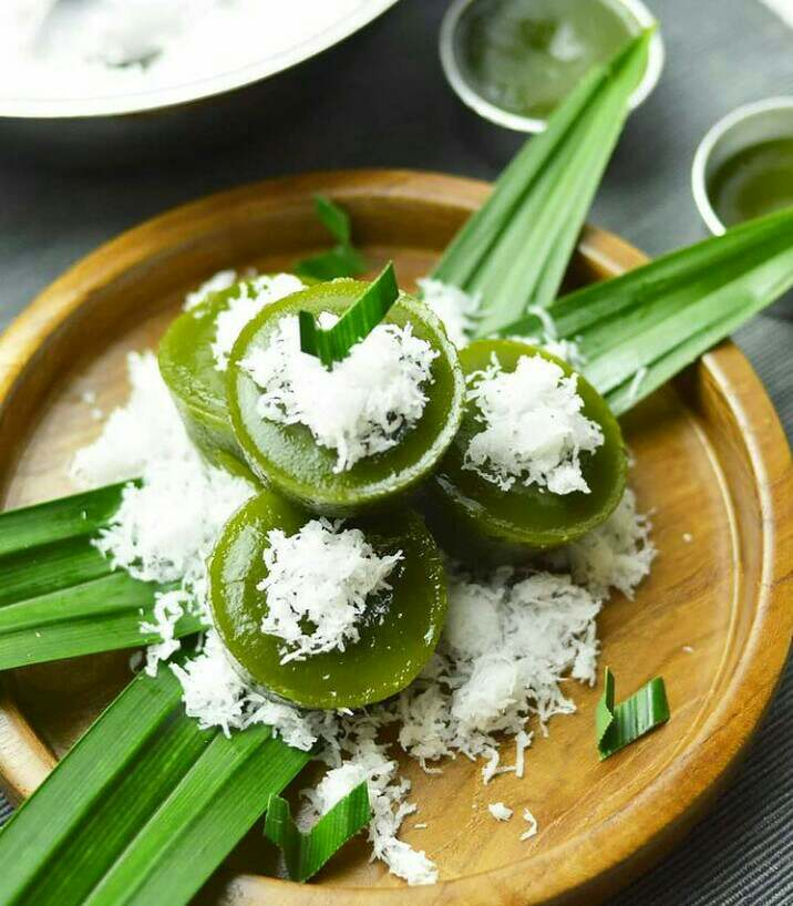 Gambar kue lumpang yang merupakan salah satu makanan khas Palembang