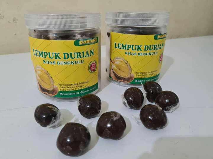 Lempok durian merupakan salah satu makanan khas Bengkulu yang banyak diminati beragai kalangan orang