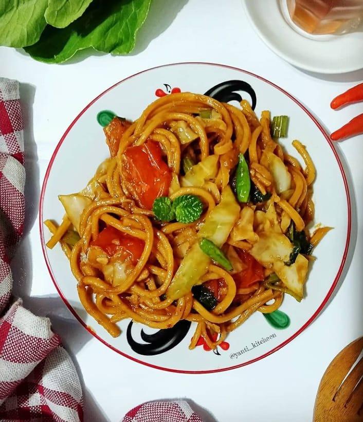 Mie gomak merupakan makanan khas Medan yang sudah populer di kalangan masyarakat