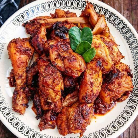 Gambar Ayam Cicane yang sudah siap saji. Makanan ini sangat banyak disukai berbagai kalangan