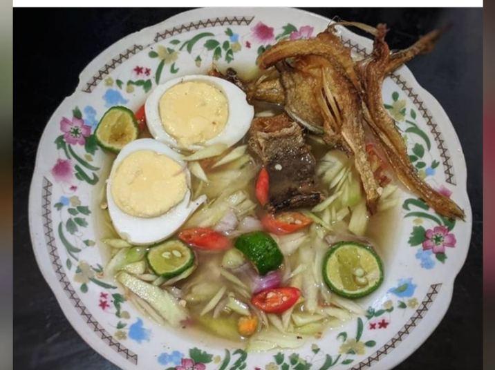 Cacapan asam merupakan makanan khas Banjar yang disukai beragai kalangan