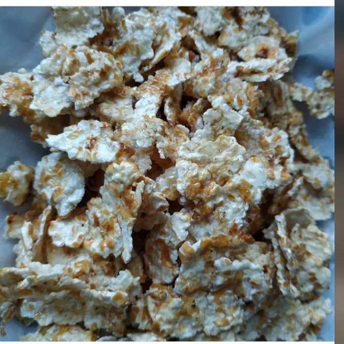 Jagung titi merupakan makanan khas Alor yang banyak diminati berbagai kalangan