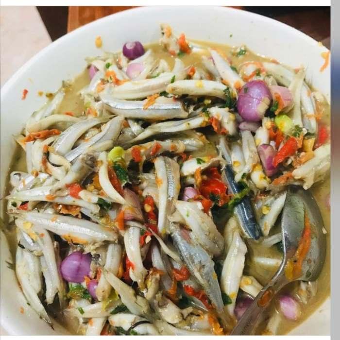 Gambar ikan lawar yang sudah siap dikonsumsi. Makanan ini merupakan makanan khas Alor yang diracik khusus oleh masyarakat alor.