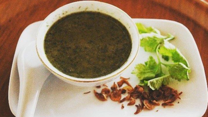 Gambar Ro'o Luwa yang merupakan olahan dari daun ubi dan singkong