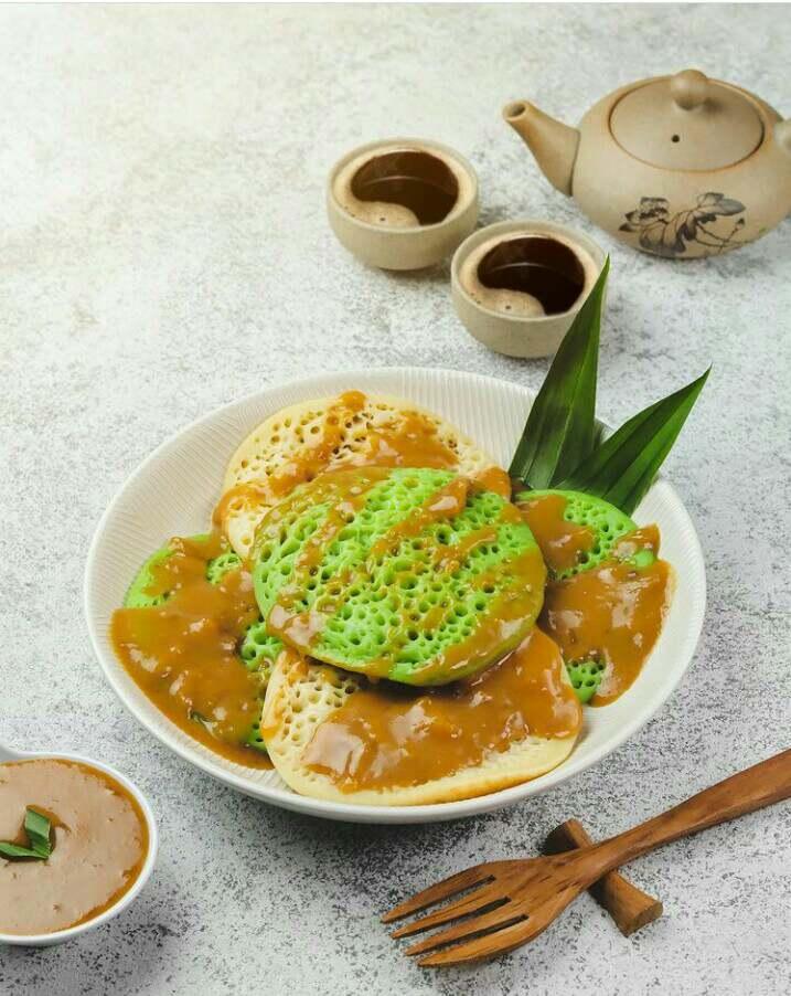 Surabi merupakan makanan khas Bandung yang banyak diminati orang