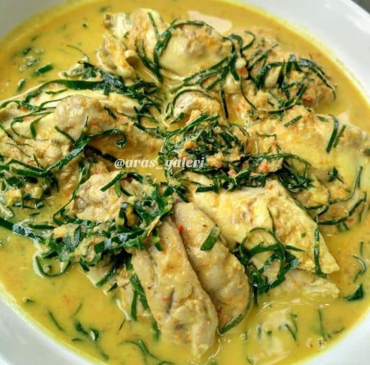 Gulai banak merupakan makanan khas Padang yang memiliki citarasa yang unik dan lezat